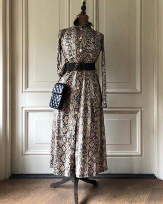 Onze webshop is weer gevuld met leuke items ⚡️ En we hebben een nieuwe categorie toegevoegd aan de webshop: Fashion. Naast oorbellen, sjaals, tassen en accessoires kun je nu ook kleding shoppen 👗 Neem snel een kijkje op www.orbelle.nl om alle nieuwe items te bekijken! • • • #orbelle #oorbellenwebshop #sieradenwebshop #fashionlifestyle #fashion #lifestyle #accessoires #onlineshoppen #jewellerytrends #fashiontrends #satinjewellery #fashionista #fashionmusthave #ootd #uniekefashion #kleding #stijlvolleoorbellen #autumn #herfst #najaarscollectie